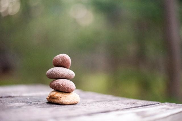 kamene poukladané na sebe